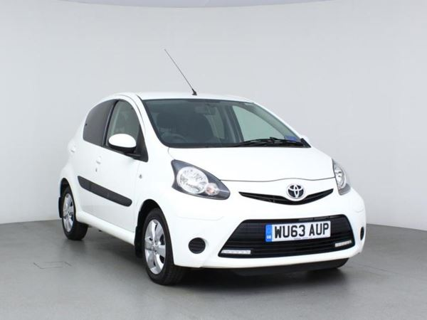 2013 (63) Toyota AYGO 1.0 VVT-i Move with Style 5 Door Hatchback