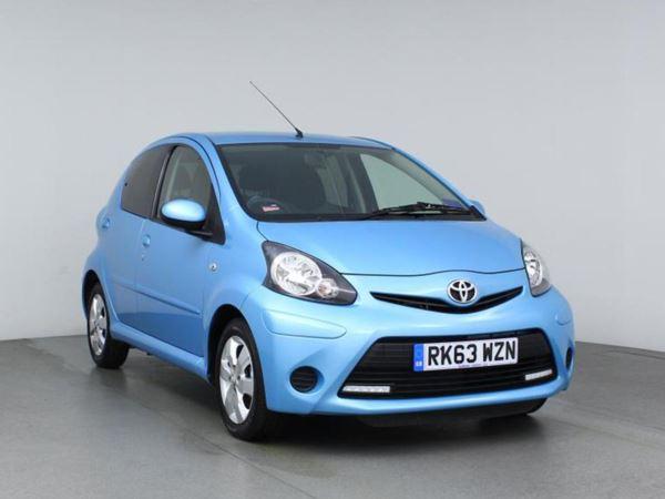 2013 (63) Toyota AYGO 1.0 VVT-i Move with Style - Sat Nav - Bluetooth - Zero Tax - 1 Owner 5 Door Hatchback