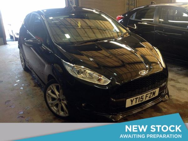 2015 (15) Ford Fiesta 1.6 TDCi Sport Van Door Car Derived Van