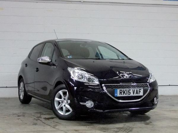2015 (15) Peugeot 208 1.6 e-HDi Style 5dr 5 Door Hatchback