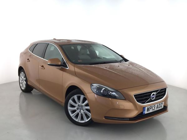 2013 (13) Volvo V40 D2 SE Lux - Leather - Bluetooth - Zero Tax - 1 Owner - Parksensors 5 Door Hatchback
