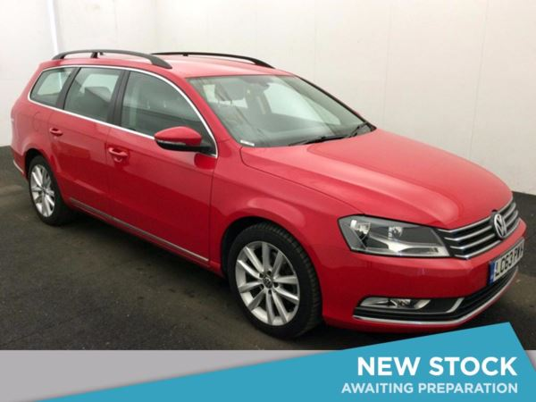 (2014) Volkswagen Passat 2.0 TDI Bluemotion Tech Executive 5dr Estate DSG Auto With Paddle Shift Satellite Navigation - Luxurious Leather - Bluetooth Connection - Parking Sensors