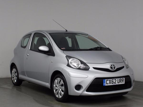 (2012) Toyota AYGO 1.0 VVT-i Ice Bluetooth Connection - Zero Tax - Air Conditioning