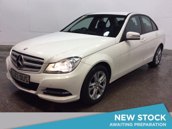 (2013) Mercedes-Benz C Class C220 CDI BlueEFFICIENCY Executive SE 4dr Luxurious Leather - Bluetooth Connection - £20 Tax - Parking Sensors