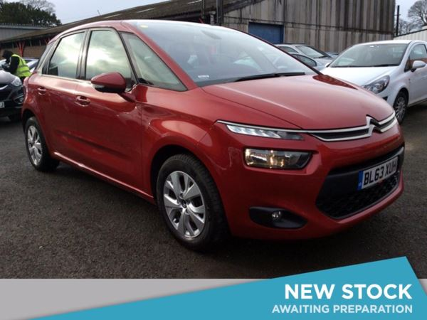 (2014) Citroen C4 Picasso 1.6 e-HDi 115 Airdream VTR+ 5dr - MPV 5 Seats Bluetooth Connection - £20 Tax - Parking Sensors - DAB Radio - Aux MP3 Input