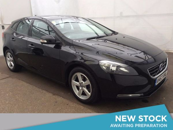 (2014) Volvo V40 D2 ES 5dr Powershift Auto (6-Speed) Bluetooth Connection - £20 Tax - DAB Radio - USB Connection - Climate Control