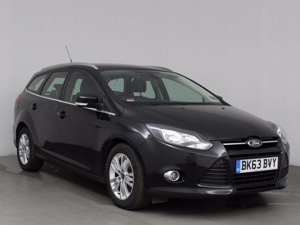 (2013) Ford Focus 1.6 TDCi 115 Titanium Navigator 5dr Satellite Navigation - Bluetooth Connection - £20 Tax - Parking Sensors