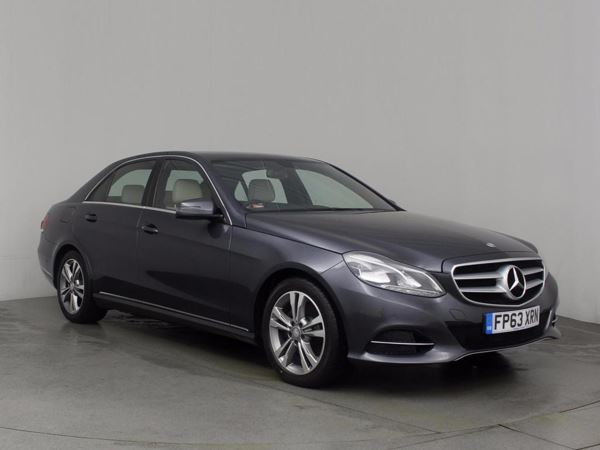 (2013) Mercedes-Benz E Class E300 BlueTEC Hybrid SE 4dr 7G-Tronic With Paddle Shift £1705 Of Extras - Satellite Navigation - Luxurious Leather - Bluetooth Connectivity