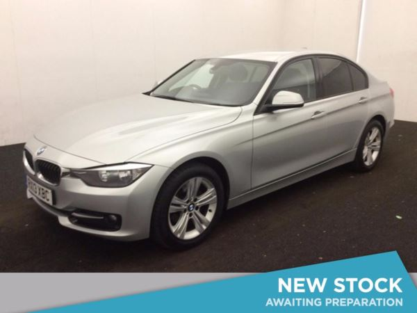 (2013) BMW 3 Series 318d Sport 4dr £845 Of Extras - Bluetooth Connection - £30 Tax - Parking Sensors - DAB Radio