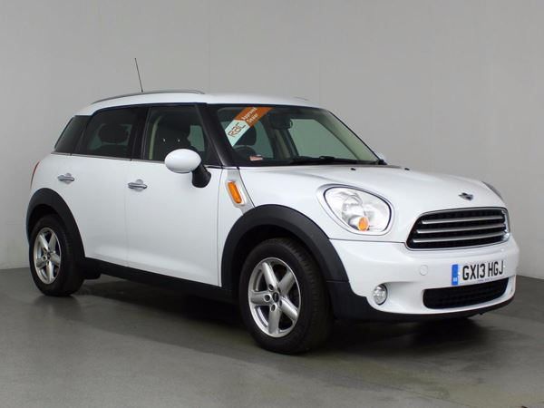 (2013) MINI Countryman 1.6 Cooper D 5dr £3215 Of Extras - Satellite Navigation - Bluetooth Connection - £30 Tax