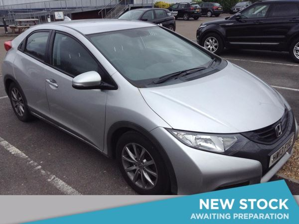 (2013) Honda Civic 2.2 i-DTEC ES 5dr Satellite Navigation - Bluetooth Connection - £20 Tax - Rain Sensor - Cruise