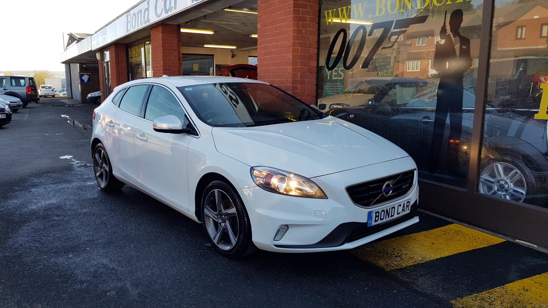 2014 (14) Volvo V40 D2 R DESIGN Powershift Auto £20 Tax For Sale In Swansea, Glamorgan