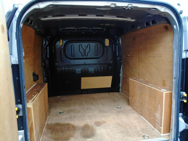 2013 (13) Vauxhall Combo 2000 1.6 CDTI 16V H1 VAN TECSHIFT AUTOMATIC For Sale In Little Kings Hill, Great Missenden