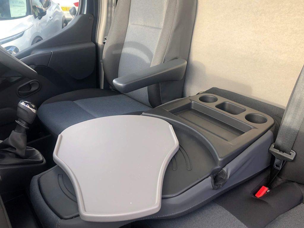 Nissan NV400 Panel Van 12