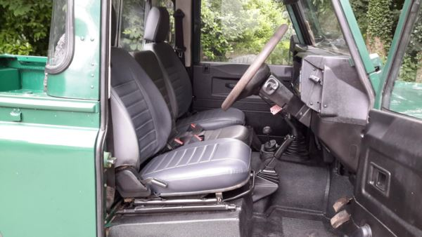 2006 (55) Land Rover Defender 90 PickUp Td5 For Sale In Waltham Abbey, Essex