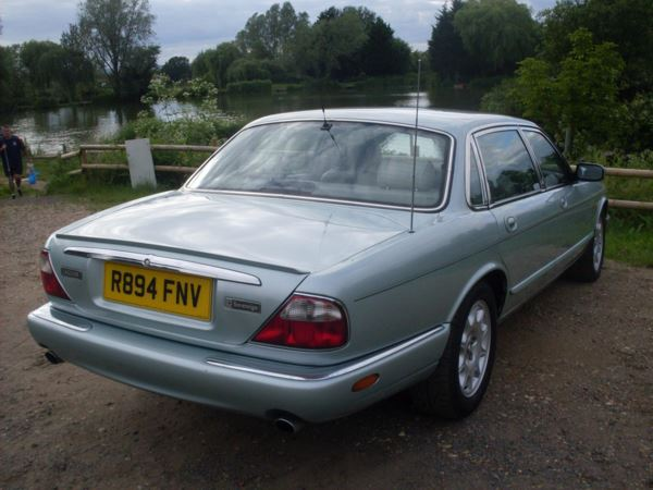 1998 (R) Jaguar V8 XJ Series 4.0 Sovereign LWB Auto For Sale In Waltham Abbey, Essex