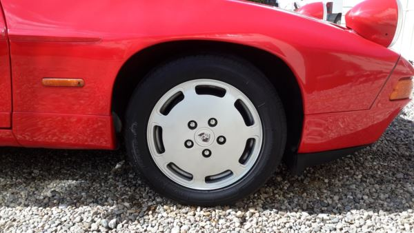1988 (F) Porsche 928 S SERIES 4 AUTO For Sale In Waltham Abbey, Essex
