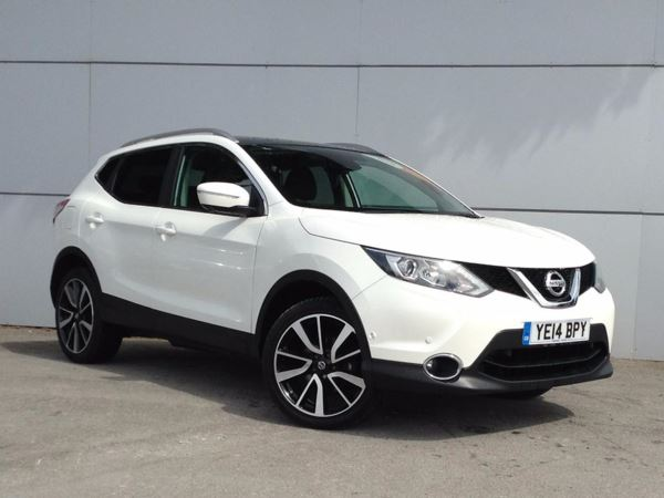 (2014) Nissan Qashqai 1.6 dCi Tekna 5dr - SUV 5 SEATS Panoramic Roof - Bluetooth Connection - £30 Tax - DAB Radio - Rain Sensor