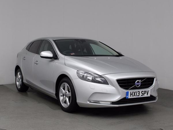 (2013) Volvo V40 D2 SE 5dr £1250 Of Extras - Bluetooth Connection - Zero Tax - Parking Sensors