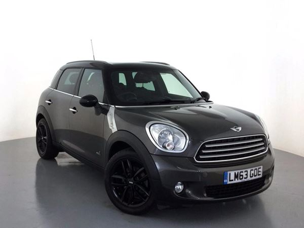 (2013) MINI Countryman 1.6 Cooper 5dr Auto [Chili/Media Pack] £6960 Of Extras - Panoramic Roof - Satellite Navigation - Luxurious Leather