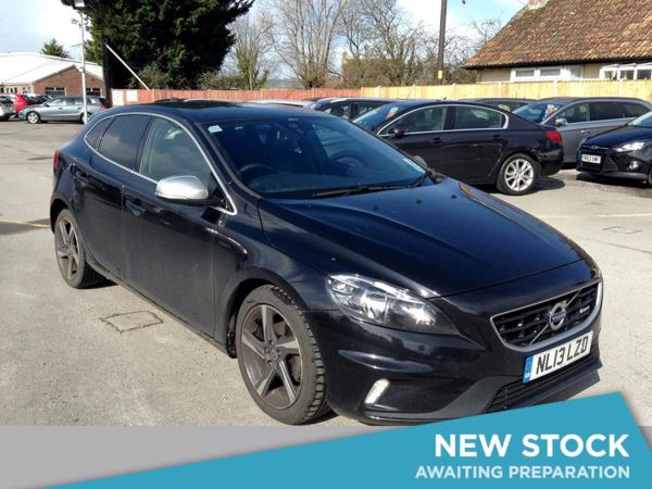 (2013) Volvo V40 D2 R DESIGN Nav 5dr £775 Of Extras - Satellite Navigation - Bluetooth Connection - Zero Tax