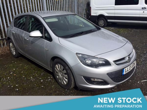 (2013) Vauxhall Astra 1.7 CDTi 16V ecoFLEX Exclusiv 5dr [99g/km] [SS] £1140 Of Extras - Bluetooth Connection - Zero Tax - Parking Sensors