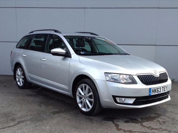 (2014) Skoda Octavia 2.0 TDI CR Elegance 5dr Satellite Navigation - Bluetooth Connection - £20 Tax - Parking Sensors