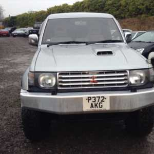 2004 P Mitsubishi Pajero EXCEED 2.8 DIESEL LWB 7 SEATER, TOW BAR, UPRATED SUSPENSION, ALLOYS Doors