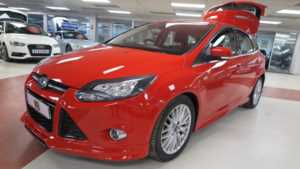 2013 62 Ford Focus 1.6 TDCi 115 Zetec S [Start Stop] 5dr Sport seats Bluetooth 5 Doors HATCHBACK