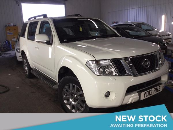 (2013) Nissan Pathfinder 2.5 dCi Tekna 5dr Satellite Navigation - Luxurious Leather - Bluetooth Connection