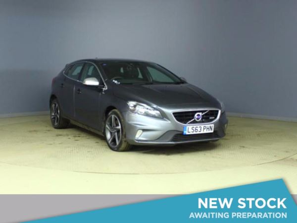 (2013) Volvo V40 D3 R DESIGN 5dr Bluetooth Connection - £30 Tax - DAB Radio - Aux MP3 Input - USB Connection