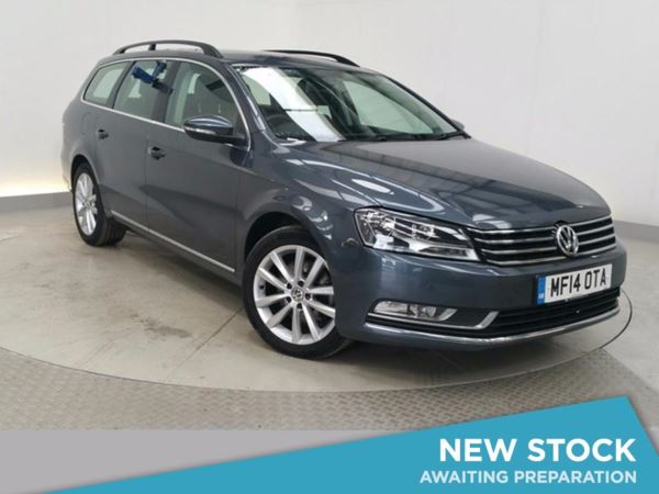 (2014) Volkswagen Passat 2.0 TDI Bluemotion Tech Executive 5dr Estate DSG Auto With Paddle Shift £810 Of Extras - Satellite Navigation - Luxurious Leather - Bluetooth Connection