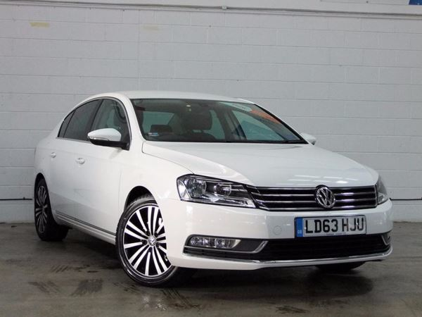 (2014) Volkswagen Passat 2.0 TDI Bluemotion Tech Sport 4dr Satellite Navigation - Bluetooth Connection - £30 Tax - DAB Radio