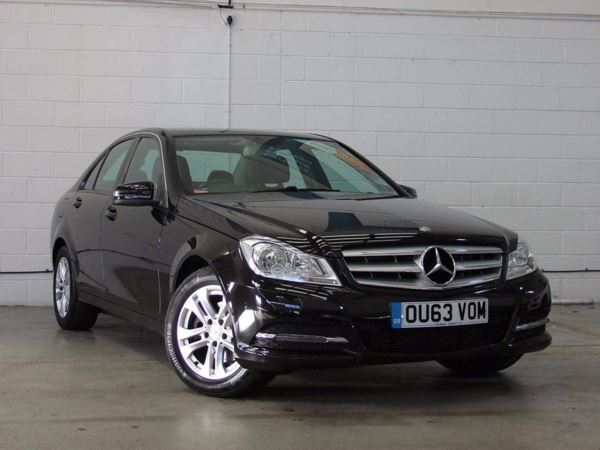 (2013) Mercedes-Benz C Class C220 CDI BlueEFFICIENCY Executive SE 4dr £645 Of Extras - Luxurious Leather - Bluetooth Connection - £20 Tax