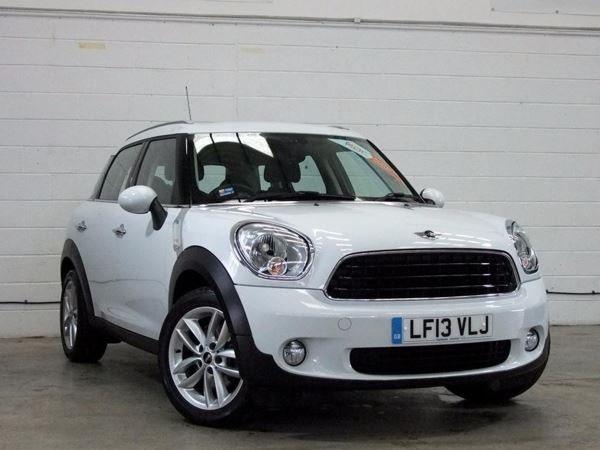 (2013) MINI Countryman 1.6 One 3dr £2035 Of Extras - Bluetooth Connection - Parking Sensors - DAB Radio - Aux
