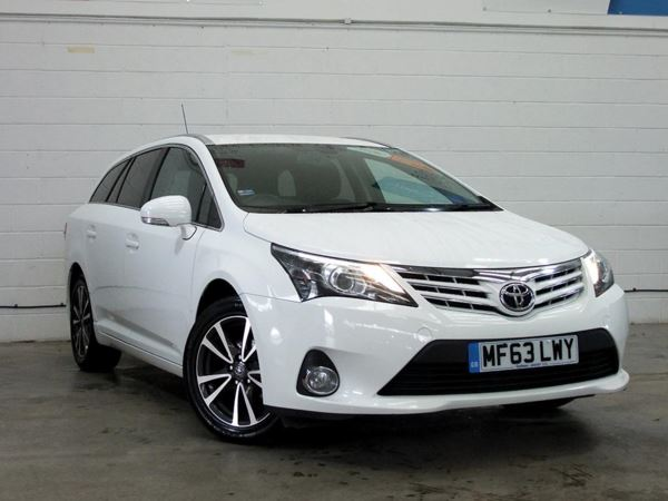 (2013) Toyota Avensis 2.0 D-4D Icon 5dr 1 Owner - £30 Tax - Sat Nav - Bluetooth - Cruise
