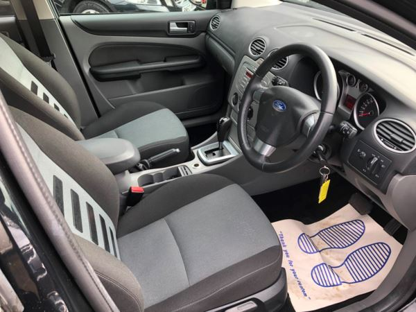 2009 (09) Ford Focus 1.6 Zetec 5dr AUTOMATIC..LOW MILEAGE For Sale In Stratford-upon-Avon, Warwickshire