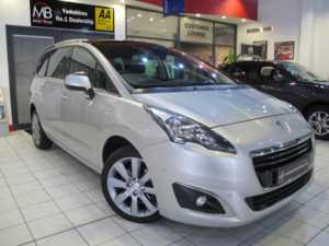 2015 15 Peugeot 5008 1.6 BlueHDi 120 Allure 5dr **PAN ROOF**SAT NAV** 5 Doors MPV
