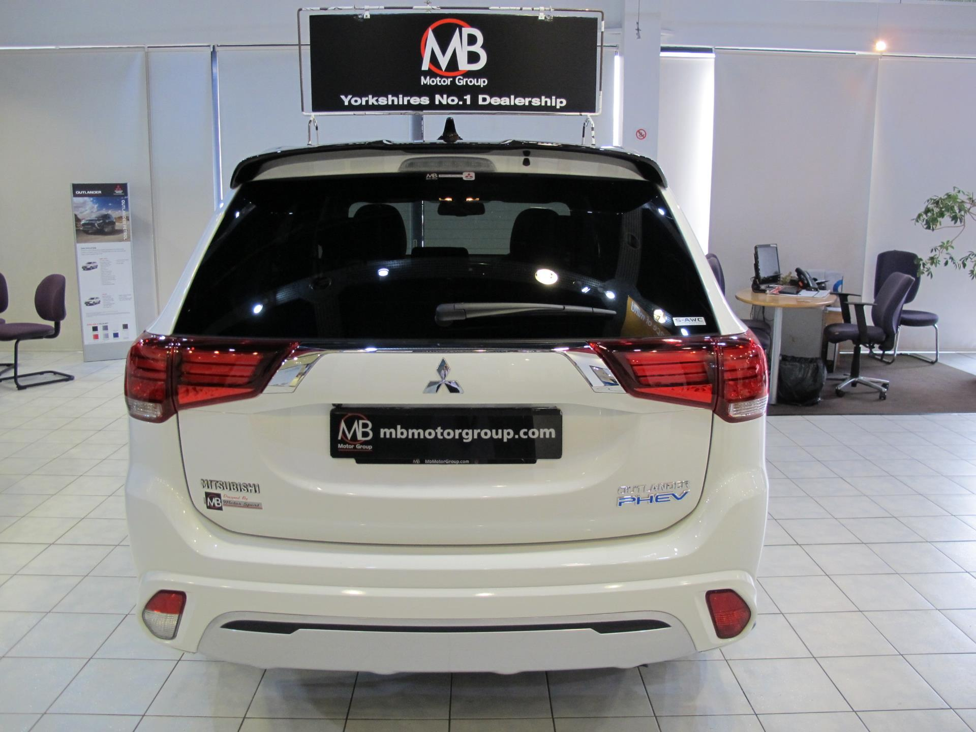 Used Mitsubishi Outlander 2 4 PHEV 4h 5dr Auto MB LIMITED