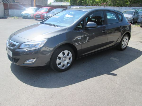 2011 (11) Vauxhall Astra 1.3 CDTi 16V ecoFLEX Exclusiv 5dr [Start Stop] £20 a year tax ... For Sale In Ilchester, Somerset