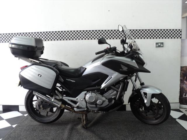 2012 (12) Honda NC 700 XA-C PANNIERS + TOP BOX For Sale In Chesham, Buckinghamshire