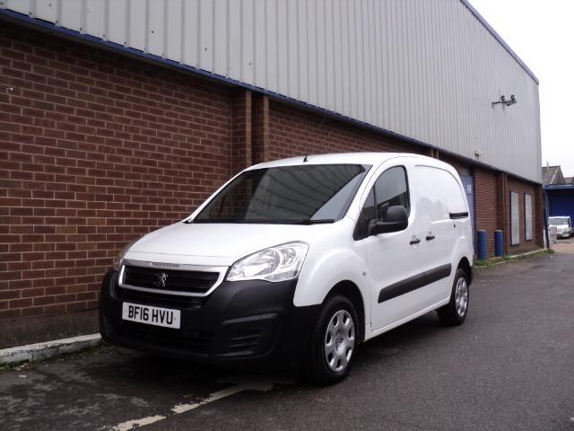 2016 (16) Peugeot Partner 850 SE 1.6 HDi 92 Van (3 SEATS + AIR CON) For Sale In Chesham, Buckinghamshire