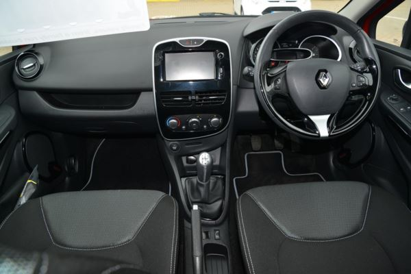 2015 (65) Renault Clio 1.2 16V Dynamique Nav For Sale In Portsmouth, Hampshire