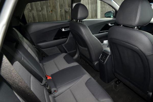 2018 (18) Kia Niro 1.6 GDi Hybrid 2 DCT Auto For Sale In Gosport, Hampshire