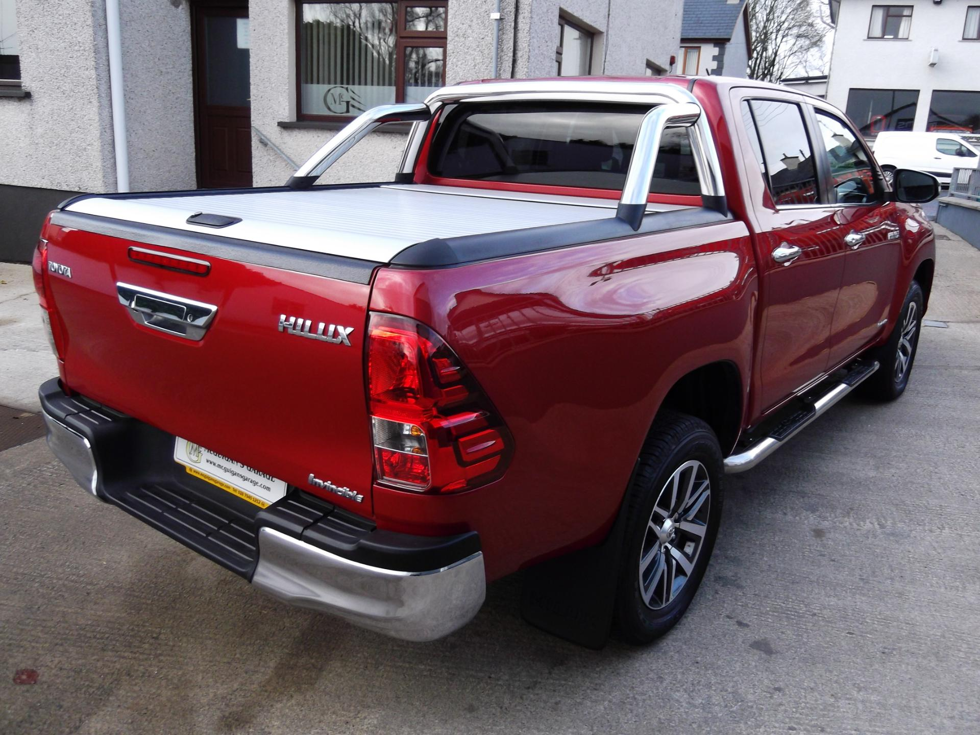 Used Toyota Hilux Invincible D 4d 4wd 6 Speed Roll Top